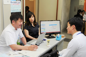 神戸大学病院ナビ(神戸大学病院群研修説明会)が開催されました。
